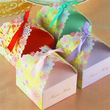 50pcs Wedding Favors Supplies Paper Favor Boxes Red/Pink/Purple/Green Candy Box Gift Box With Ribbons for wedding mariage decor