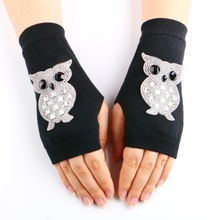2016 New Lady Rhinestone Fingerless Gloves Women Sparkling Knitted Mittens Girl Black Wool Half Finger Computer Mitts Warm Gift