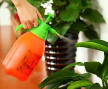 2L Portable Pressure Garden Spray Chemical Sprayer Bottle Plant Water