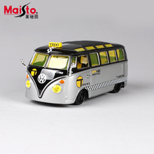 Maisto Volkswagen Bus T1 1:24 Scale Alloy Models Metal Vintage Classic Car Toys High Quality Collection Kids Toys Gift