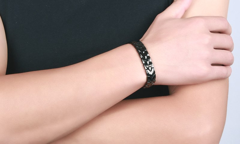 10140 Magnetic Bracelet Details _03