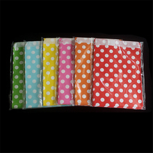 25pcs/bag Polka Dot Kraft Paper Bags Popcorn Food Gifts Candy Treat Bags Wedding Birthday Party Decoration Favor 13x18cm(China)