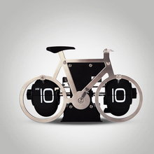 1 Pieces 2016 New Stainless Steel Bike Model Digital Automatic Flip Desk Clock For Home and Office Decorative Creative Clock(China)