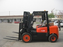 Best Manufacturer 3000kg Diesel Powered Forklift Truck