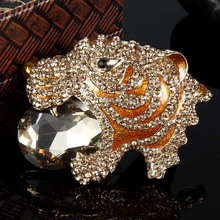 Brown Peach Enamel Tiger Brooches Bouquet Fine Men Jewelry colares Austrian Crystal Broches And Hijab Pins Brand Animal Brooch