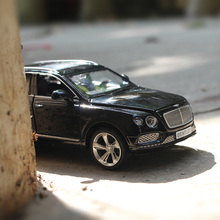 NoEnName_Null 1:32 Bentley BENTAYGA  Alloy car model kids toys Back to power Car Children like the gift