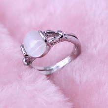 Vintage Vampire Movies Jewelry Hollow Out Natural Opal Cat Eye Rings The Twilight Bella Moonstone Ring For Women Valentine Gift