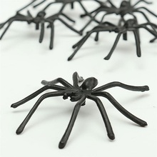 NEW Hot 2pcs/lot Plastic Spider Funny Joking Toys Realistic Props For Halloween Toy Prank Funny Gadgets(China)