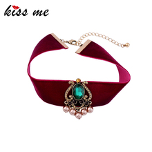 KISS ME Brand Red Velvet Choker Necklace 2017 Popular Green Geometric Fashion Jewelry Chocker Valentines Day Gifts(China)