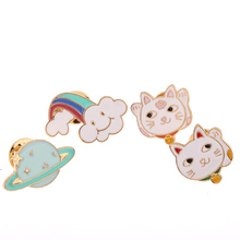 Free shipping Metal Dedicate Planet Cloud Fortune Cat Brooch Pins