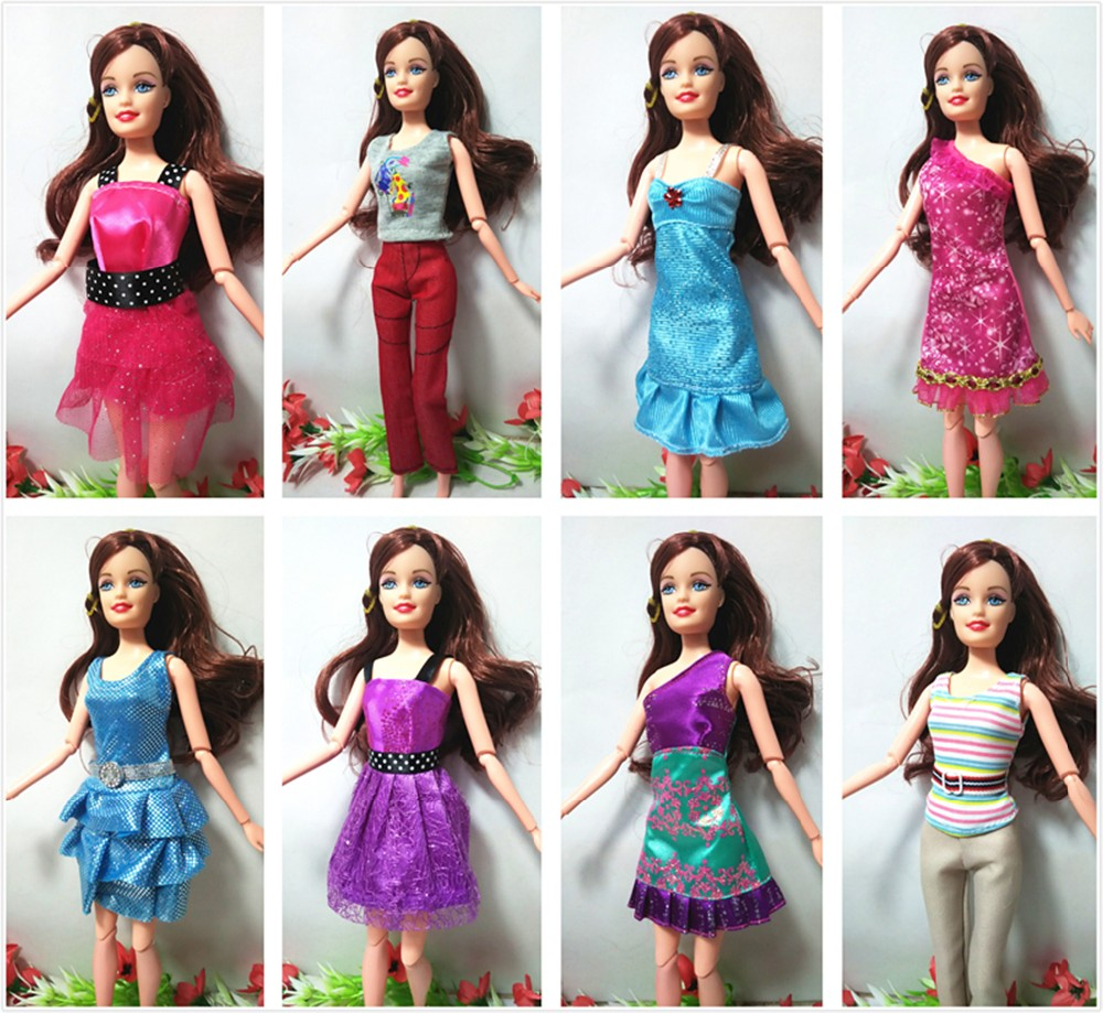 Randomly Decide 11 Pcs/Lot = 5 Necklace + 6 Combine Kinds Cute Lovely Social gathering Garments Style Gown Necklace For Barbie Doll Reward Toy