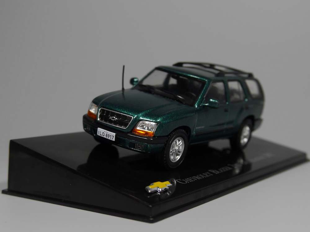 Auto Inn ixo 1:43 Chevrolet Blazer 2nd Generation 2002 Diecast car model