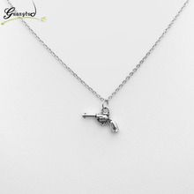 2017 New Fashion Gun Pistol Shape Pendant Necklace For Men Women Fashion Jewelry America Style Rock Chain Necklaces Bijoux Gift