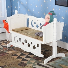 Crib Cots Multifunctional Baby Cradle Bed Baby Bed Shaker with Roller New Crib Game Bed(China)