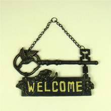 Pig Iron Hummingbird Welcome Sign Door Hanging Metal Antique Key Model Greeting Tablet Home Art Decoration Craft Collection