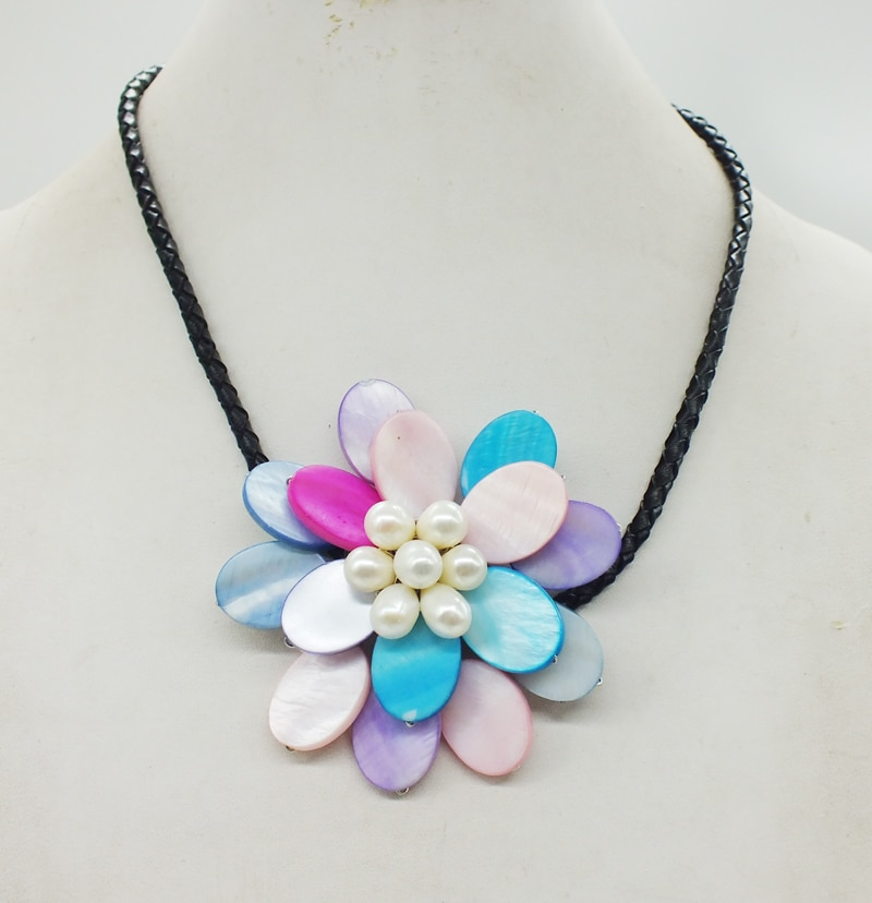 Free Shipping Classic Shell Flower Necklace