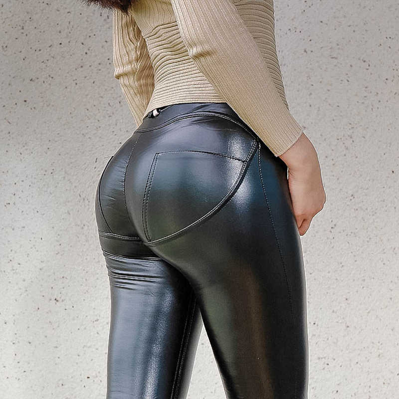 Sexy Brunette Big Ass Big Tits