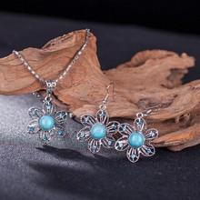 Hot Vintage Tibetan Silver Jewelry Sets Blue Sunflower Dangle Pendant Necklace Earrings Set for Women Free Shipping