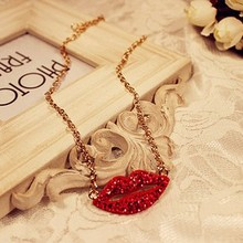 New Red Crystal Sexy Lips pendant long necklace women Gold Color chain fashion jewelry wholesale Statement Necklaces gift