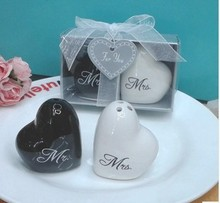 best bridal shower favors Mr and Mrs ceramic  heart salt and pepper shakers gifts in gift box wedding favors return gift 20set