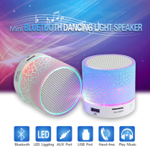 Portátil Speakers Mini Bluetooth Mãos Livres Sem Fio LED Speaker Com TF USB FM Mic Música Blutooth Para O Telefone Móvel iPhone 6 7 s(China)