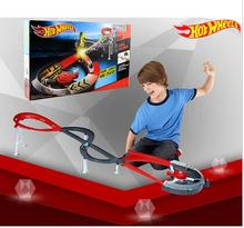 Hot Wheels Roundabout track toy kids toys Plastic metal miniatures scale cars track model x2589 classic antique toy car