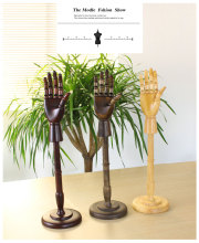 High Quality Best Wooden Hand Mannequin Fashion Mannequin Hand With Base