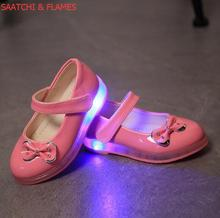Kids Casual Lighted Shoes Girls Glowing Sneakers Children zapatillas Shoes With Led Light Baby Girl Lovely The latest fashion