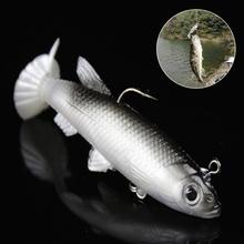 Soft plastic with high quality hook Use for fishing in lake or river Good looking and 3D vision Beautiful looks like real Fish