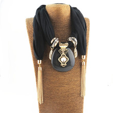 2017 New arrival retro scarf with tassels stone pendant necklace scarf for women as new year christmas gift black white