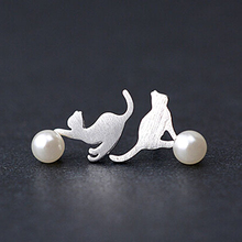 Daisies One Pair 925 Sterling Silver Jewelry Cat&Pearl Asymmetry Stud Earrings For Women Statement Pendientes Brincos Bijoux