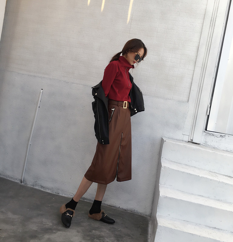 Punane või must lukuga sviiter