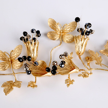 2016 New Fashion Hair Jewelry Summer Bridal Hair Accessories New Tiara Piece Hair Pins Wholesale Tiaras Crowns Headbands(China)