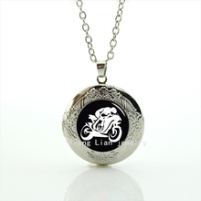 GT racing motor  fans motorcycle picture jewelry wedding gifts Personalized gift idea  locket necklace  T776