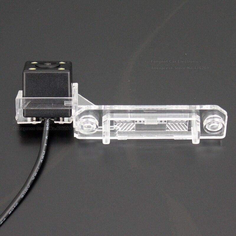 Car-Reverse-Camera-for-VW-Passat-B5-1996-2005-Touran-2003-2004-2005-2006-2007-2008-2009-2010 (4)