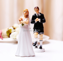 Free Shipping Wedding Decoration Soccer Player Resin Couple Figurine Wedding Cake Toppers