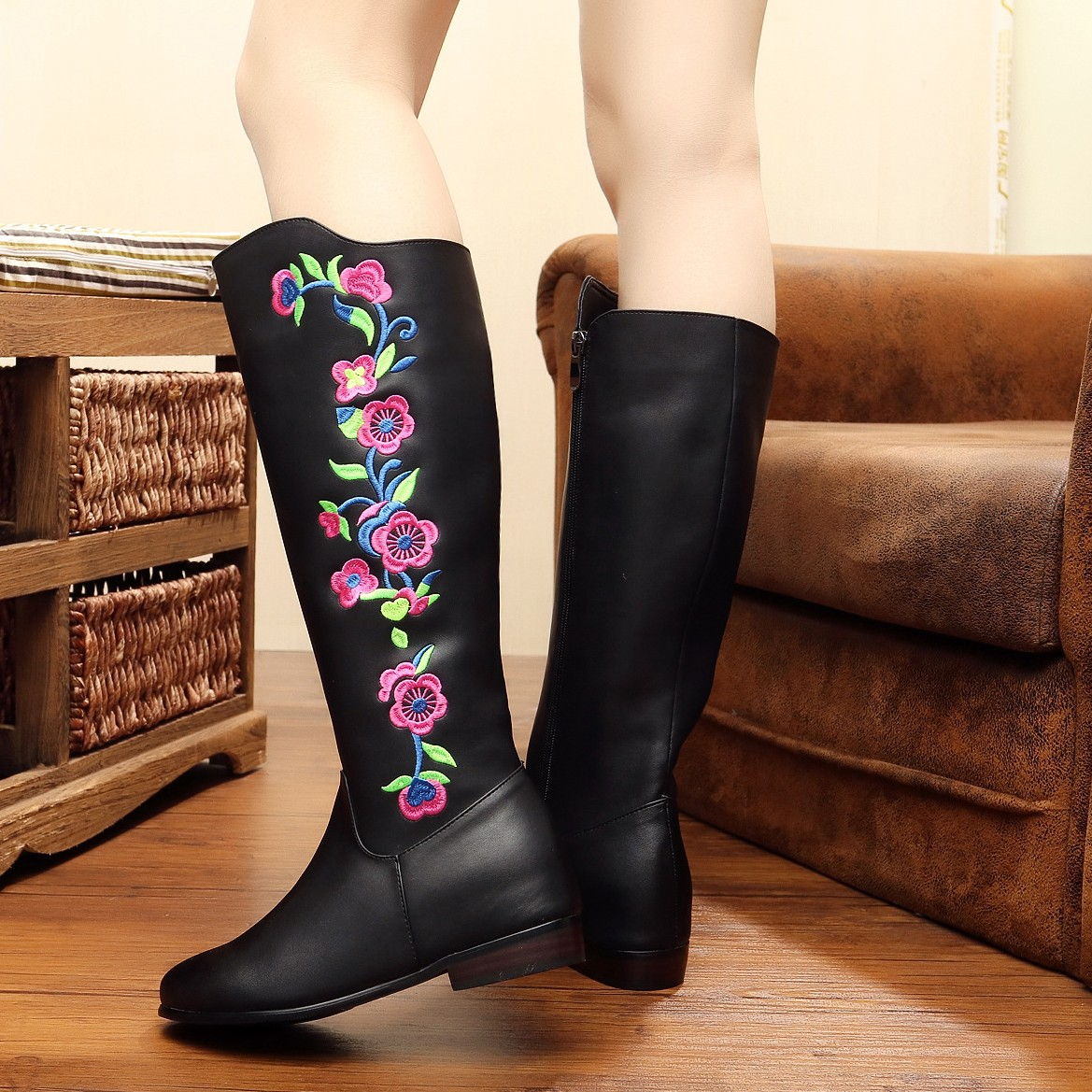 Madam Panic Buying Sweet Chinese Embroider Boots Autumn Winter Pu Leather Knee-High Boot Black Embroidery Shoes SMYXHX-B0086<br><br>Aliexpress