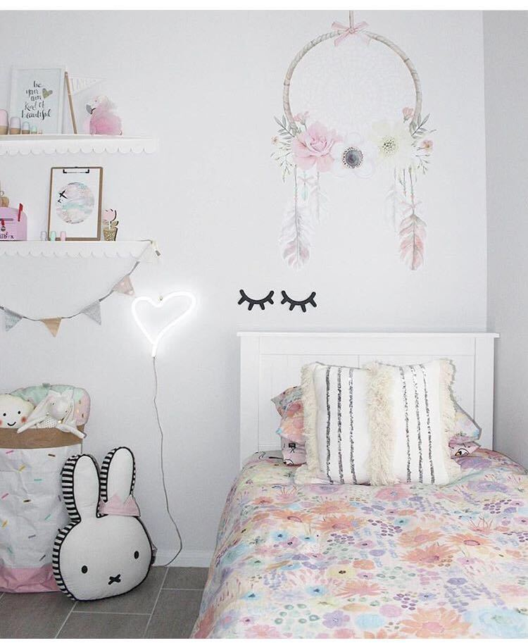 HTB1Vm.KRFXXXXcRXFXXq6xXFXXXi - Urijk 2PCs Ins Nordic Wood Eyelashes Cartoon 3D Wall Sticker DIY Children Bedroom Props Home Living Room Decoration 15*11cm