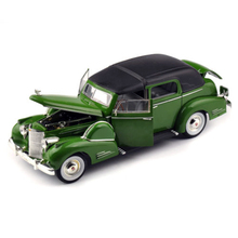 Cheap Model Car Toy 1/32 Scale Alloy 1938 Fleetwood Classic Car Antique Car Model Display Model(China)