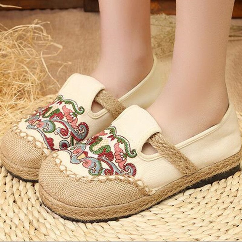 Womens Summer Canvas Hemp Round Toe Flat Heeled Casual Shoe Ethnic Floral Embroider Straw Braid Vintage Loafer Sandal<br>