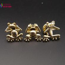 2016 New Fashion Cute Lovely Gold Color Alloy Do not listen/Do not see/Do not say Frog Figure Costume Brooches Pins broches