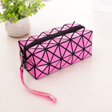 Hot Ladies Cosmetics Organizer New Trend Fashion Geometric Zipper Cosmetic Bag Women Laser Flash Diamond Leather Makeup Bag