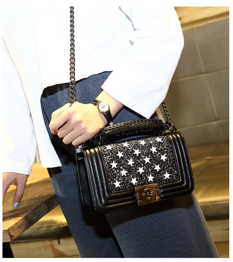 Fashion Women Messenger Bag Shoulder Crossbody Bag Ladies Embossing Genuine Leather Casual Small Bag Sheepskin Handbag Young Bag