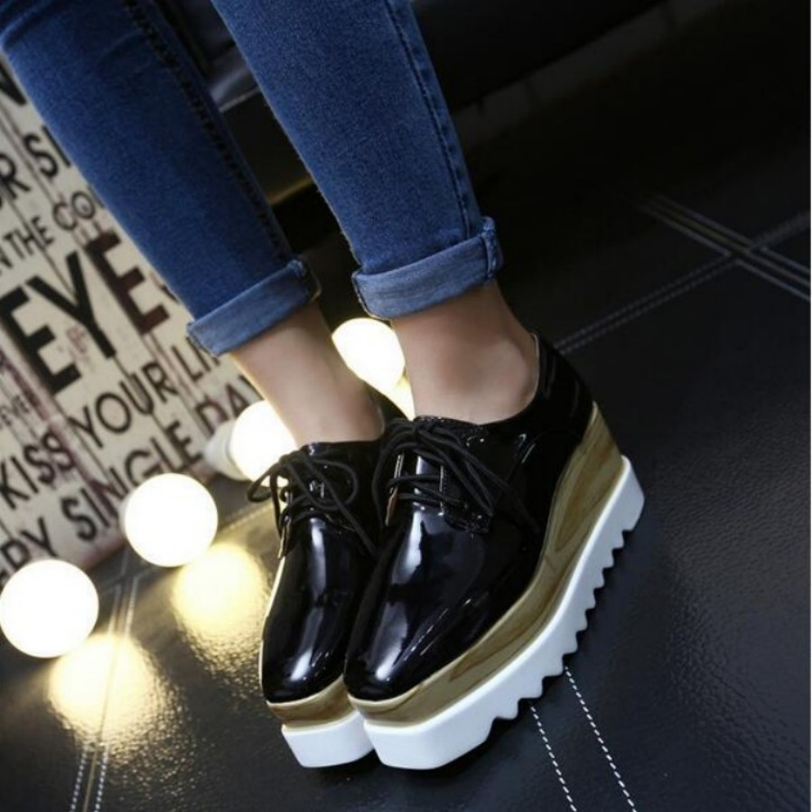 2017 new brand  Women Platform Oxfords Flats Shoes Patent Leather Lace Up Squre Toe Luxury Brand Beige Black Creepers zapatos p<br>