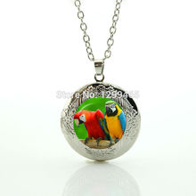 Brightly colored art picture necklace Leisure series essential style jewelry wonderful color parrot locket pendant N 1021