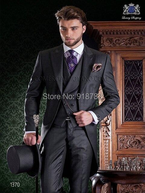 New-Arrival-Italian-Men-Tailcoat-Gray-Wedding-Suits-For-Men-Groomsmen-Suits-3-Pieces-Groom-Wedding.jpg_640x640 (1)