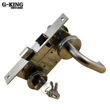 Fire door locked the door lock channel corridor fire channel shipping lock handle lock