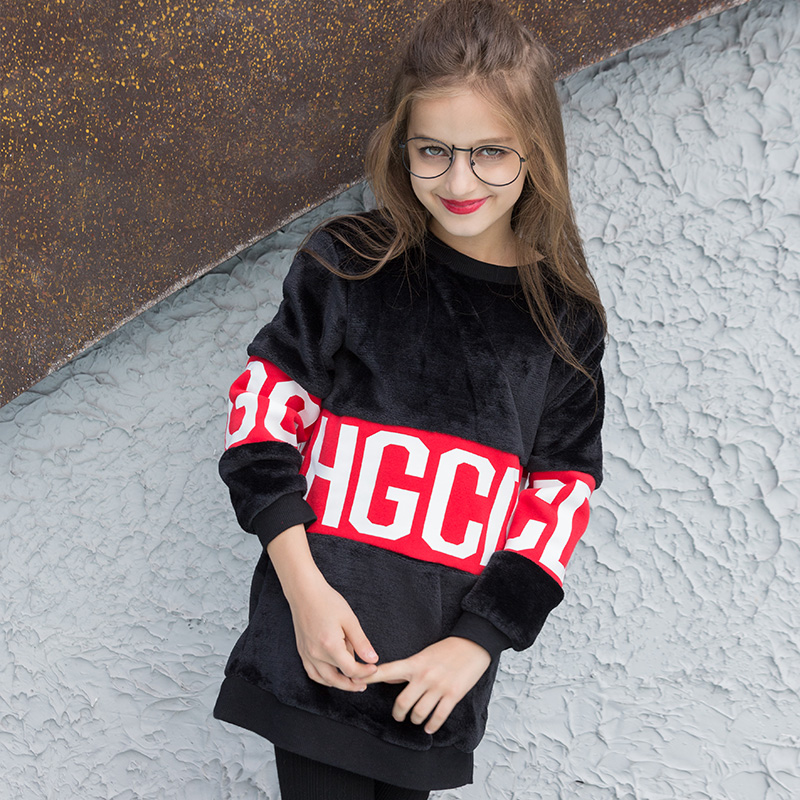 Teen Girls Sweater Stitching Loose Autumn and Winter Warm Clothing Long Style Sweaters Black &amp; Red Velvet Warm Pullover Hoodies<br>