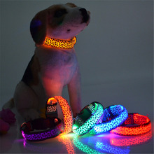 ( Battery ) Nylon Leopard LED Cat Dog Collars Luminous Night Safety Pet Collars Glow In the Dark Pet Products 8 Colors Size M L