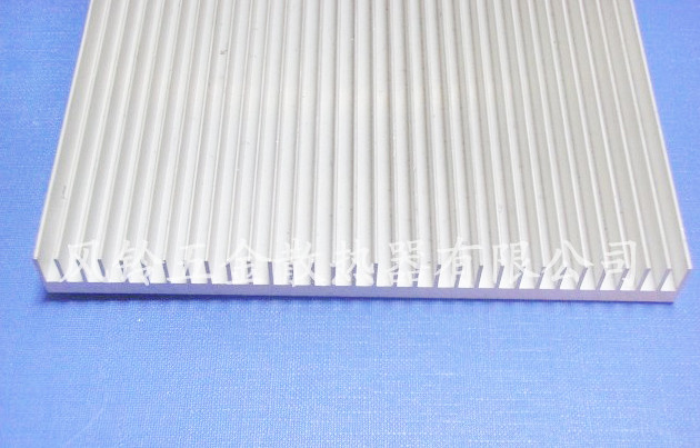 High-power dense tooth Aluminum heat dissipation LED Aluminum PCB  strip radiator aluminum plate 156*15*200MM heatsink<br>